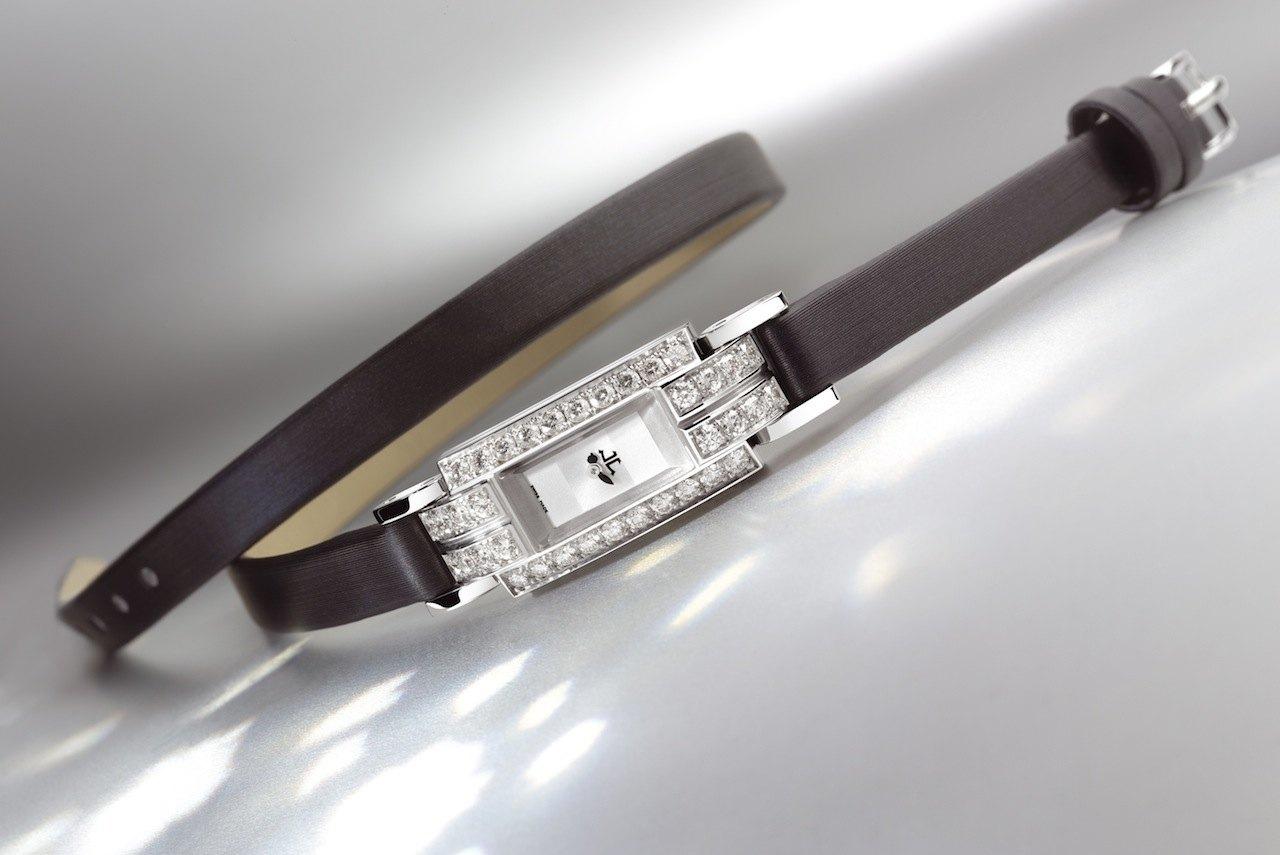 """Diane Kruger lució un reloj Jaeger-LeCoultre Joaillerie 101 en la Première de """"The Host"""""""