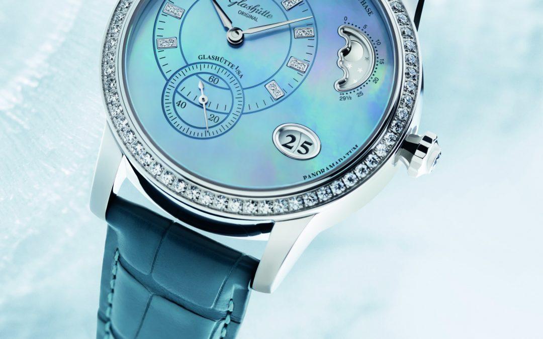 Azul celeste: La nueva edición para boutique del Glashütte PanoMatic Luna