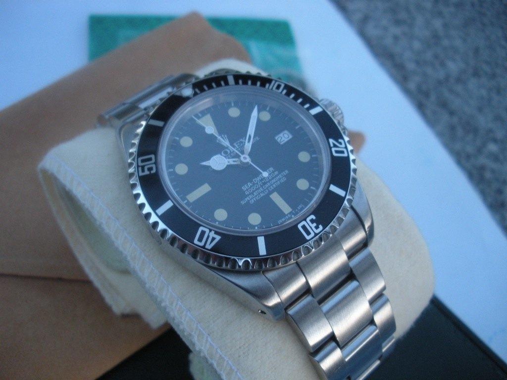 Rolex Sea Dweller 16660 triple six dial matte