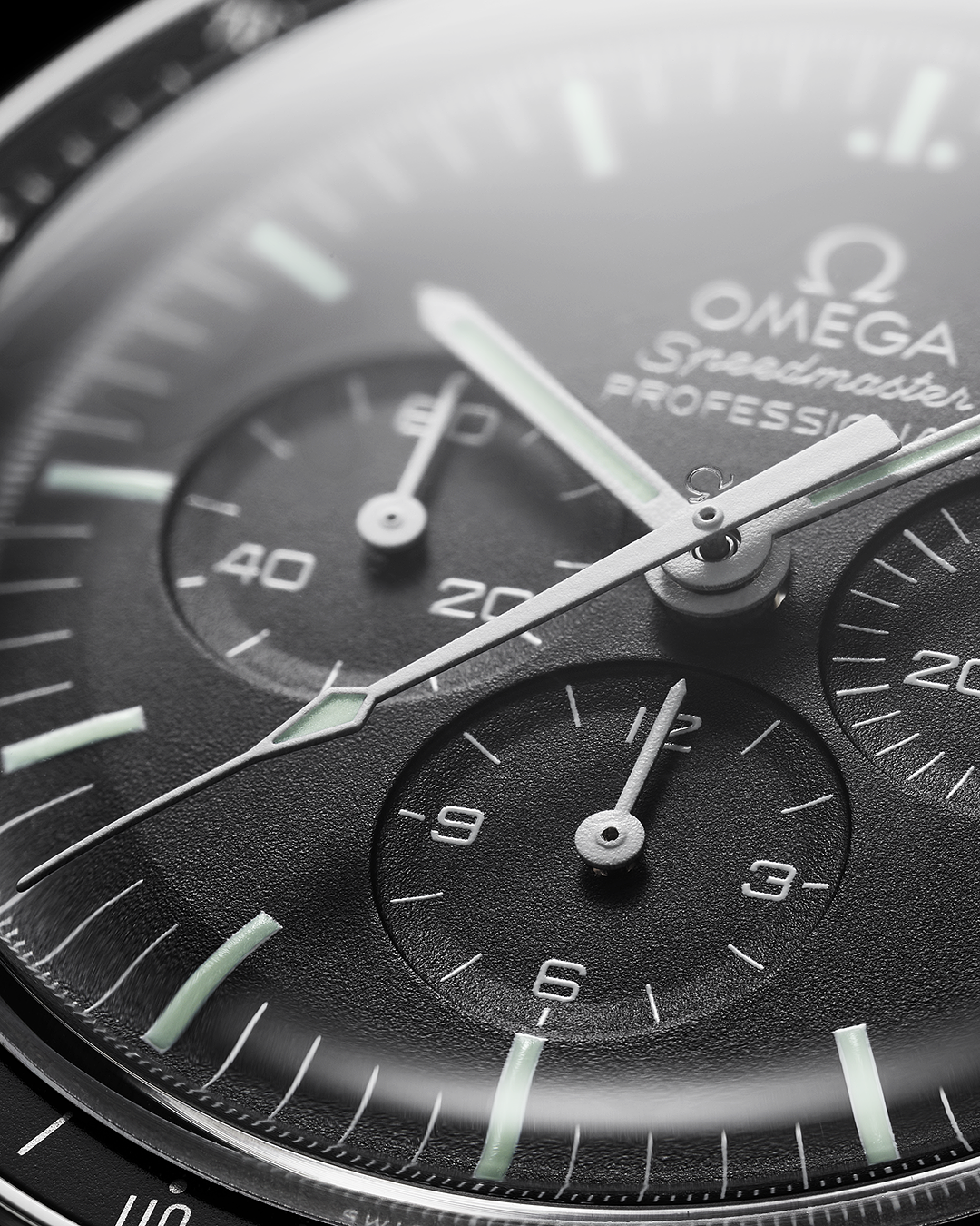 Omega Speedmaster Professional Moonwatch Macro