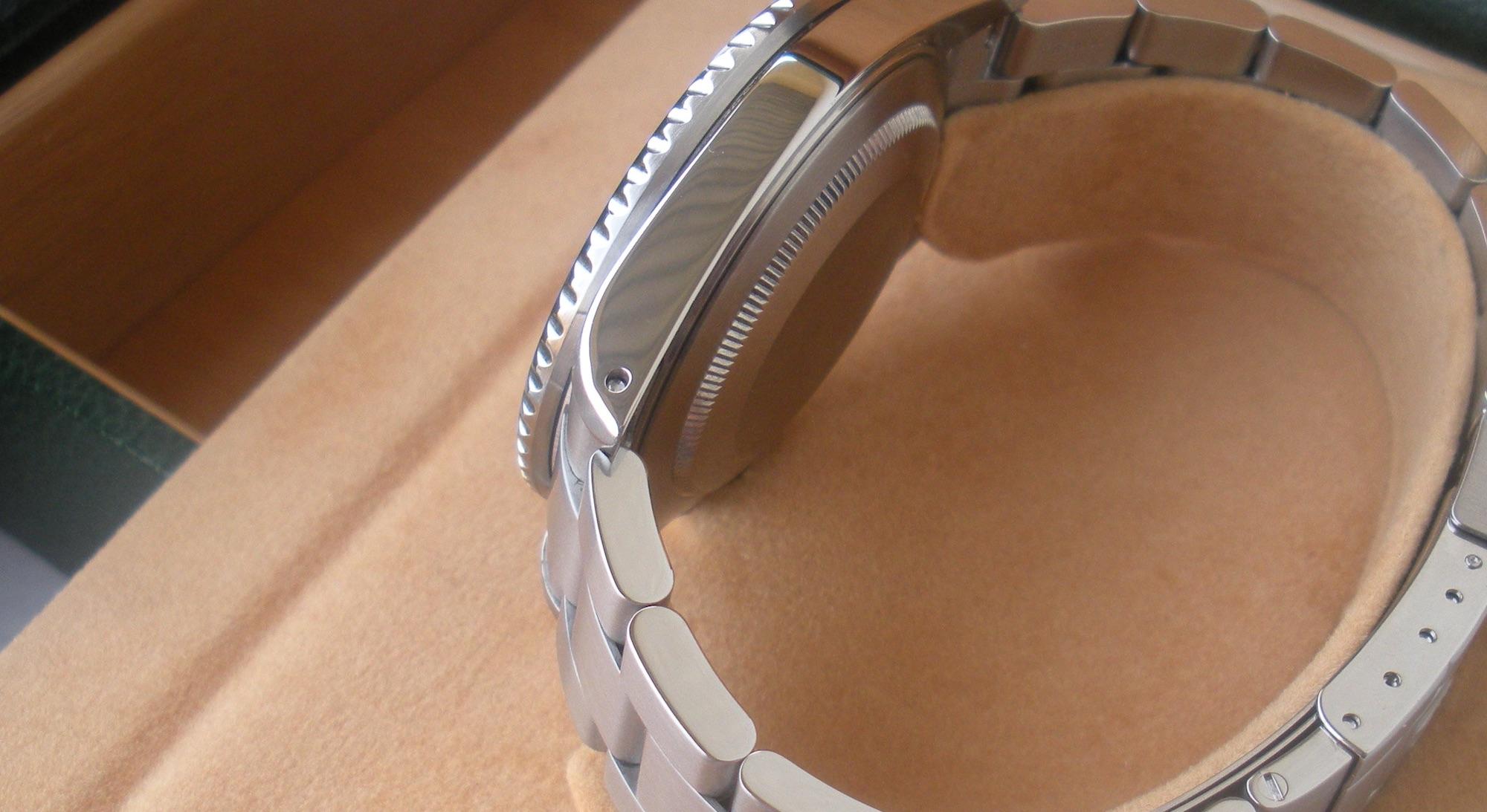 Rolex GMT Master II 16710T carrura con agujeros leve pulido