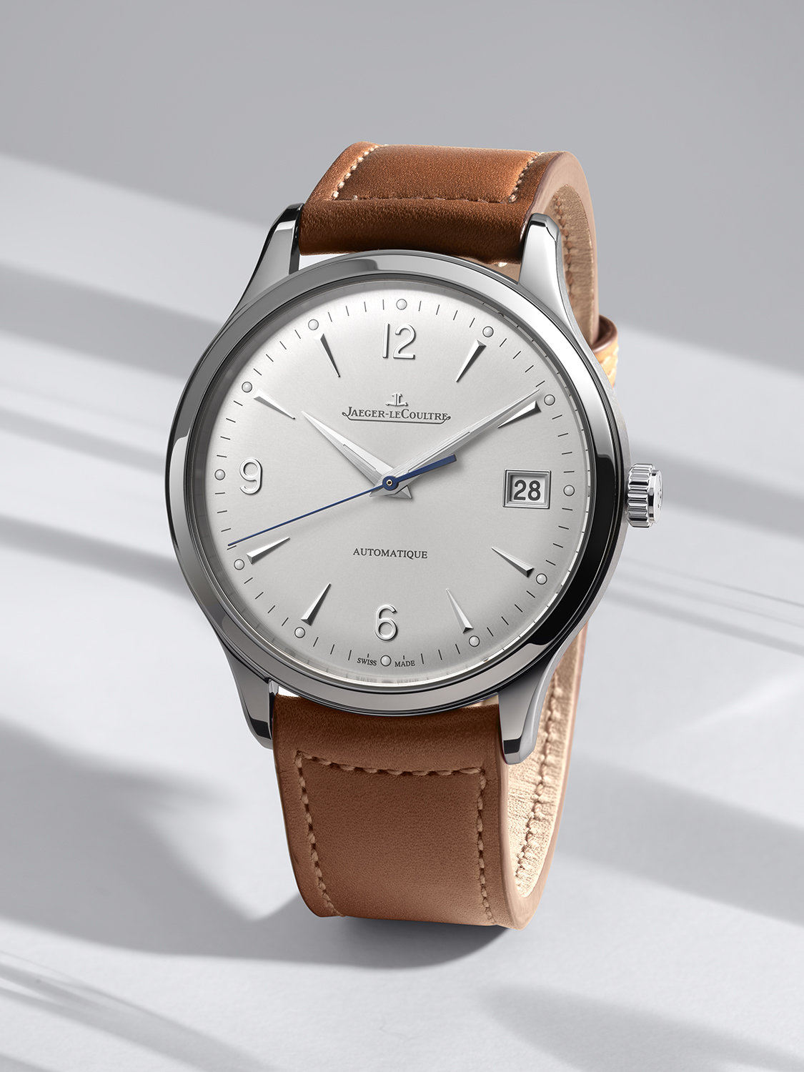 Jaeger-LeCoultre Master Control Date q4018420 lifestyle