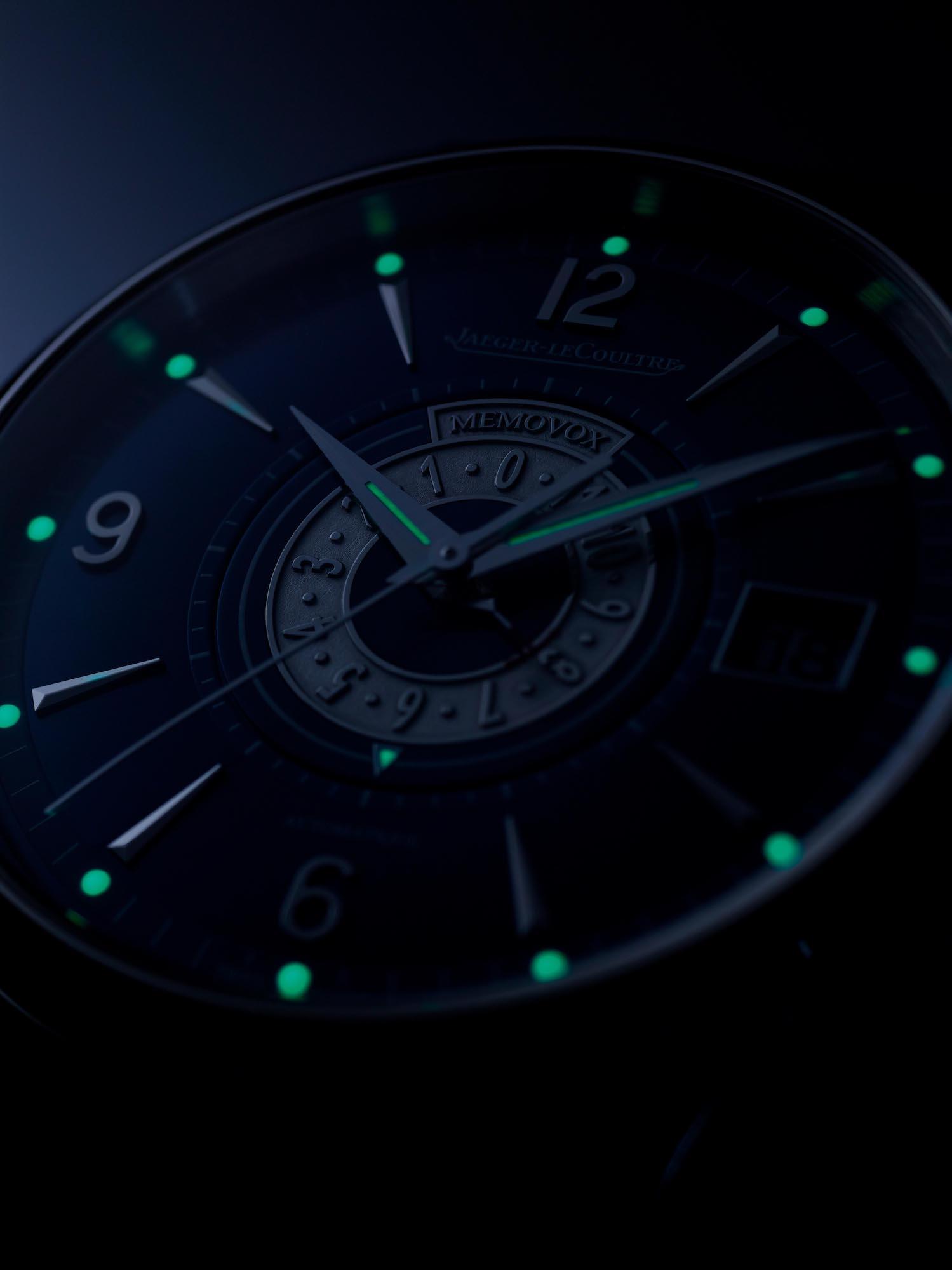 Jaeger-LeCoultre Master Control Memovox Timer q410848j detalle luminova