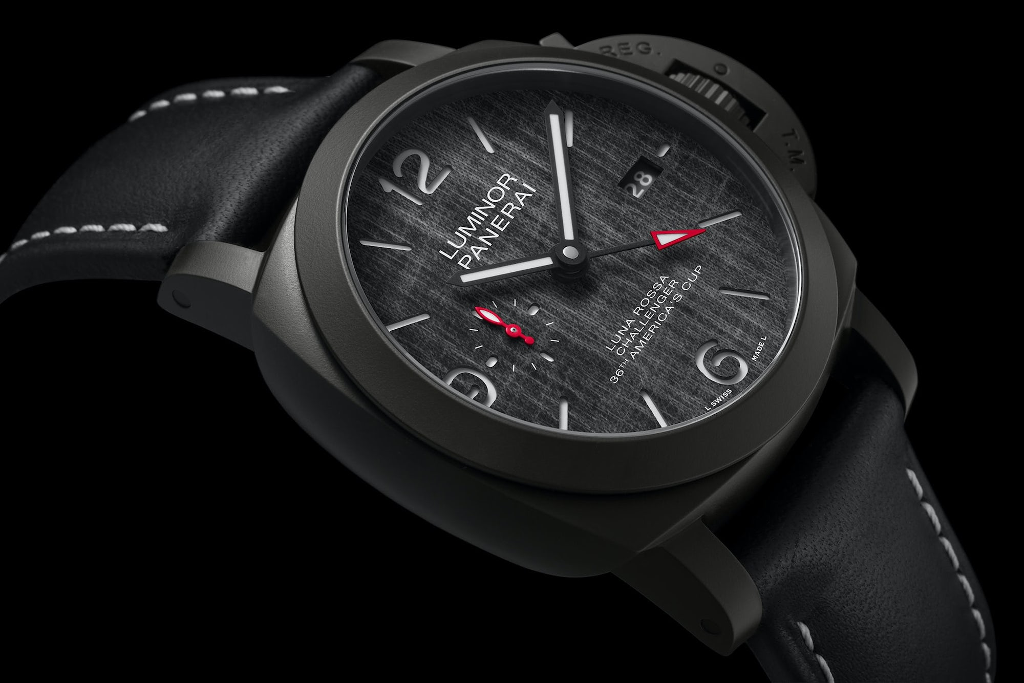 Panerai Luminor Luna Rossa GMT 44mm Pam 1036 detalle