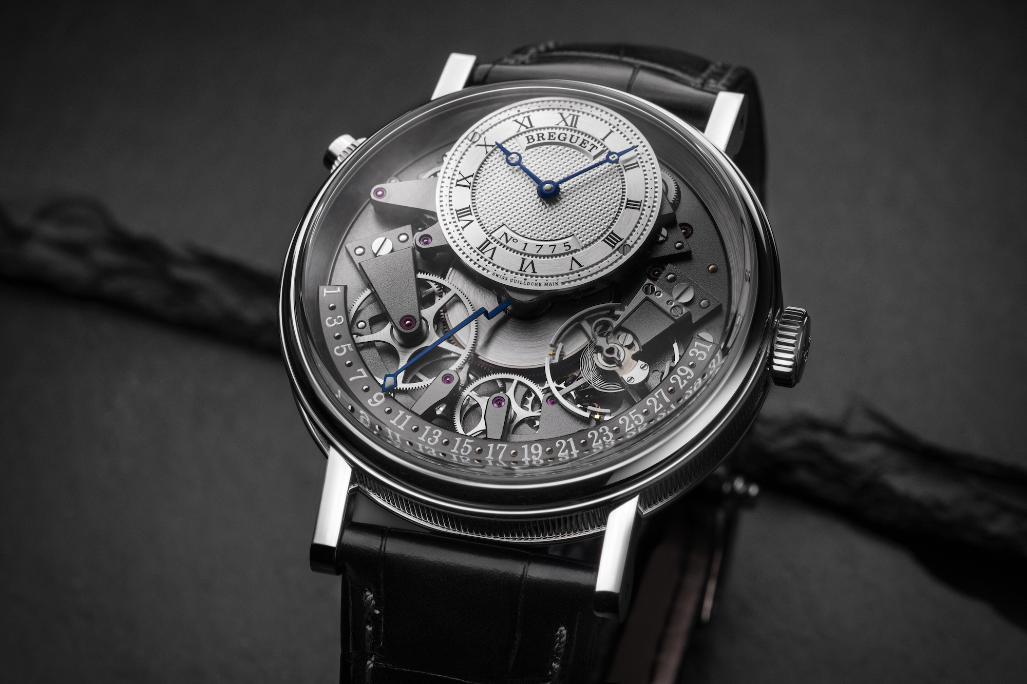 Breguet Tradition Quantieme Retrograde 7597BB_G1_9WU lifestyle 2