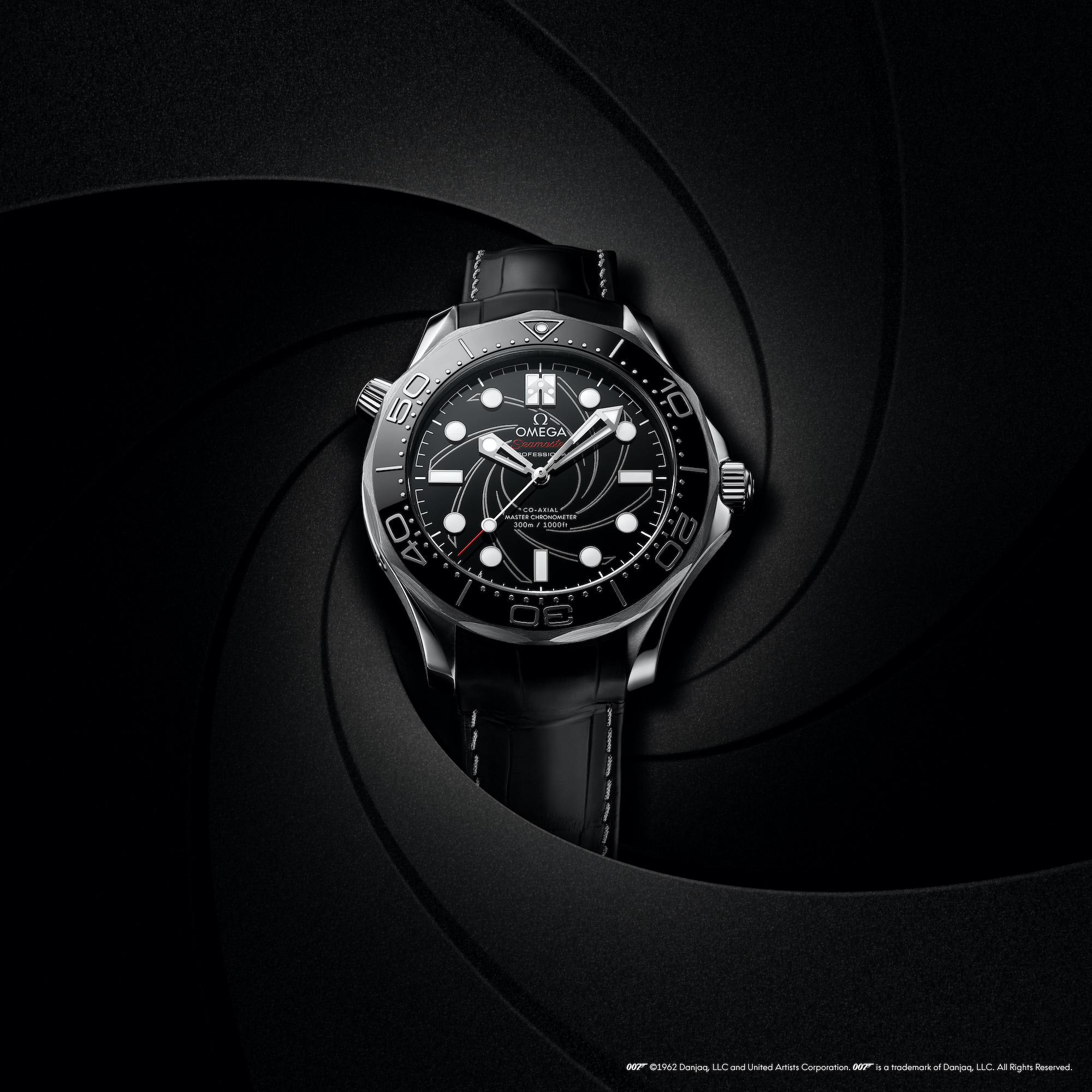 Omega Seamaster Diver 300M James Bond Platino Oro 210.93.42.20.01.001 lifestyle