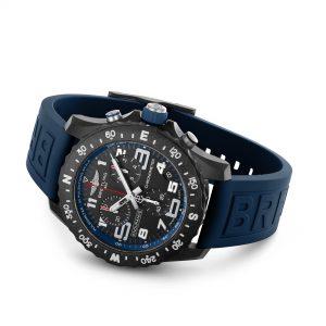 Breitling Endurance Pro azul apoyado