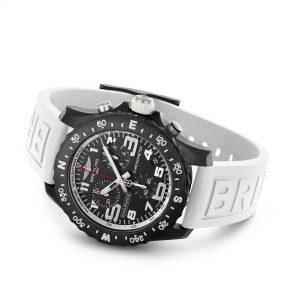 Breitling Endurance Pro blanco apoyado