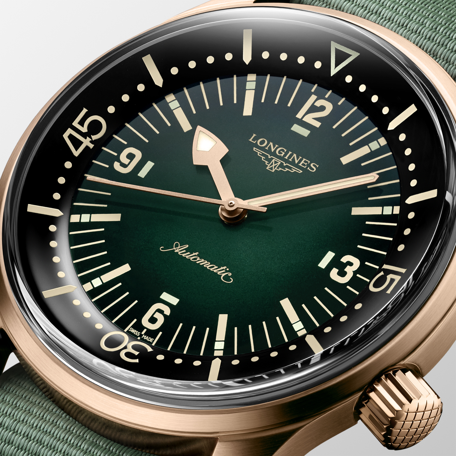 The Longines Legend Diver Watch Bronze L3.774.1.50.2detalle esfera nato