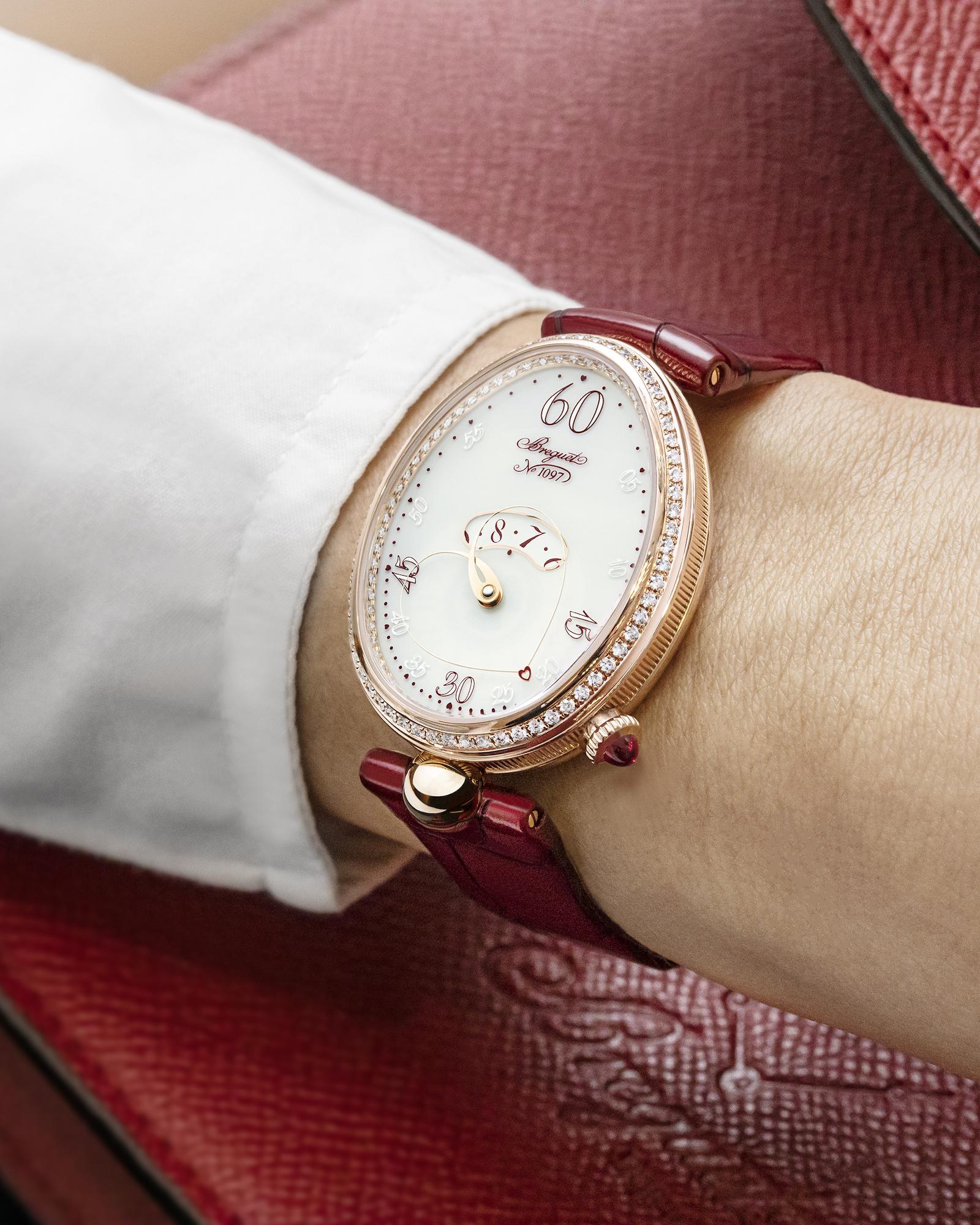 Breguet Reine de Naples Coeur 9825 wristshot