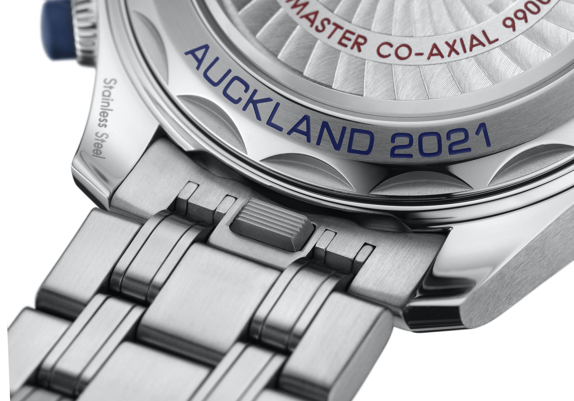 Omega Seamaster Diver 300M Americas Cup Chronograph 210.30.44.51.03.002 Detalle cambio de pulsera