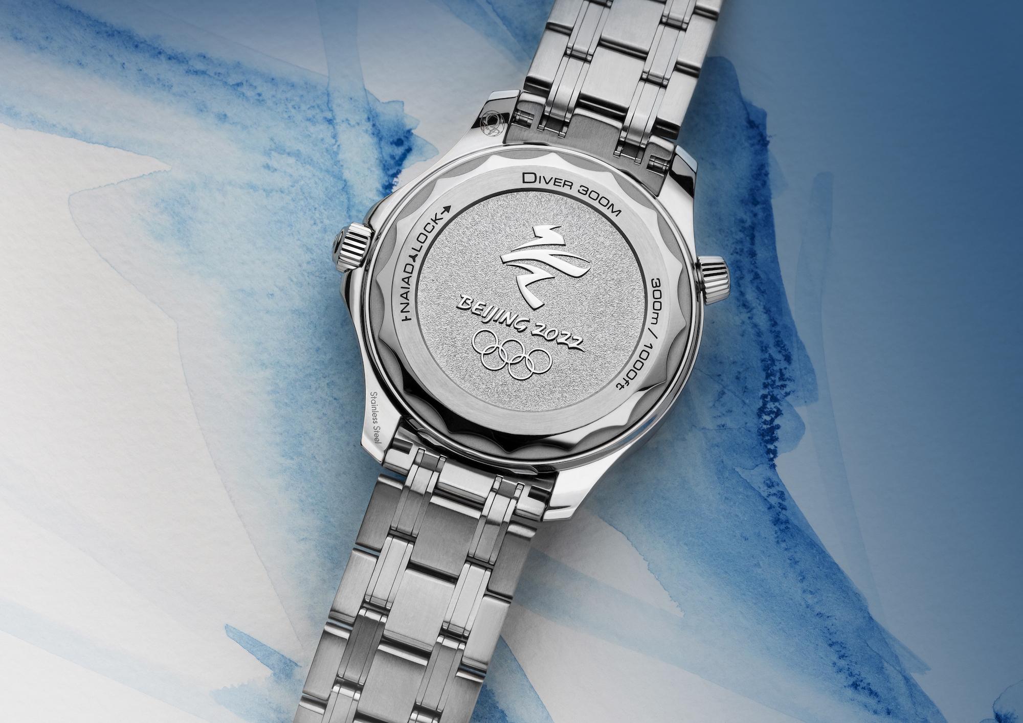 Omega Seamaster Diver 300M Beijing 2022 522.30.42.20.03.001 lifestyle trasera