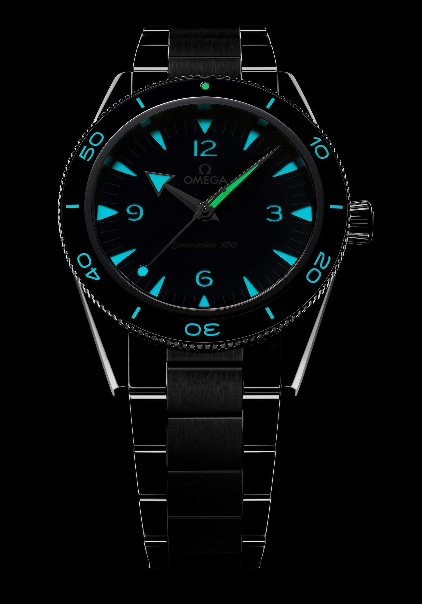 Omega Seamaster 300 234.30.41.21.03.001 luminiscencia