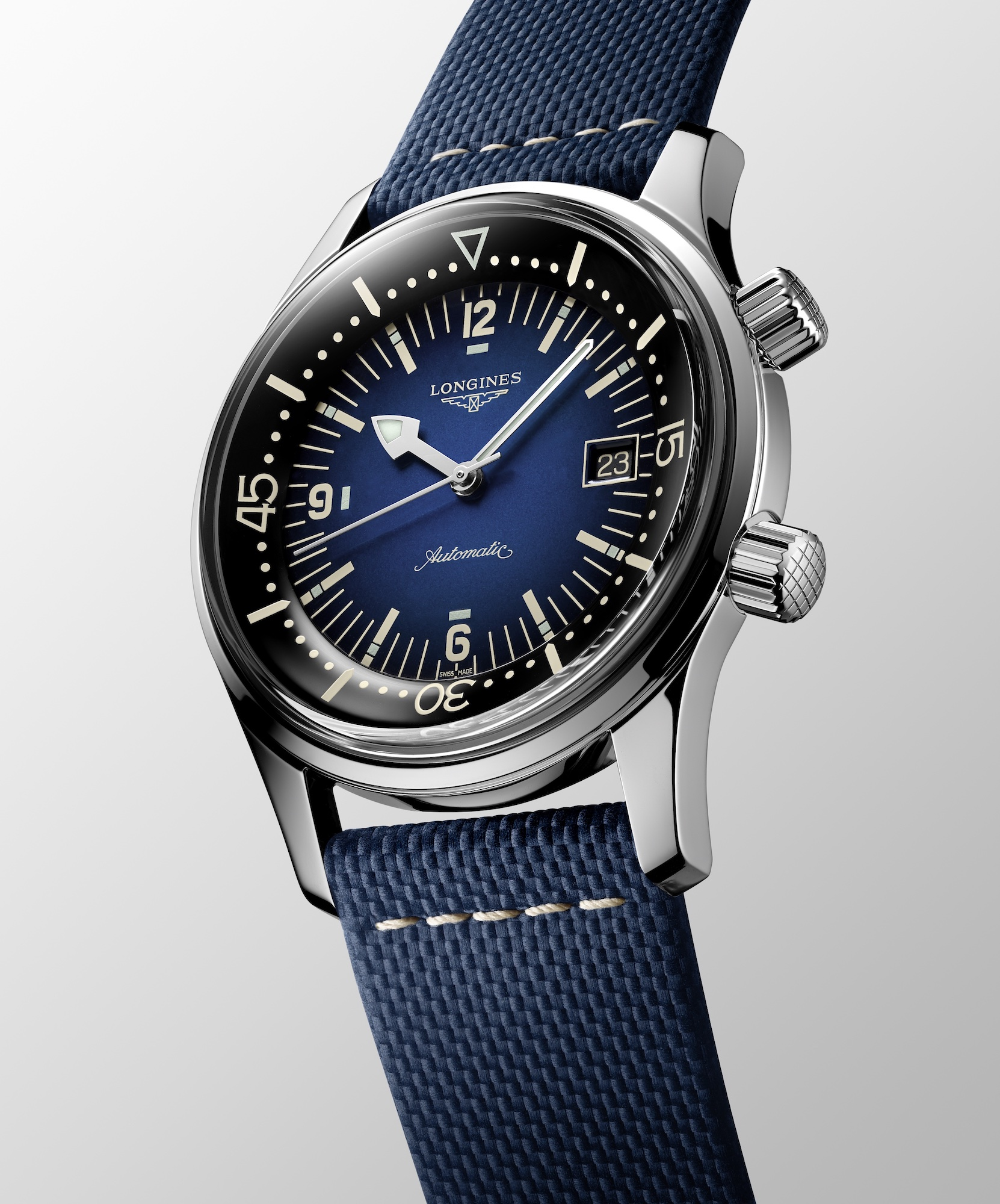 The Longines Legend Diver Watch Azul L3.774.4.90.2 Esfera