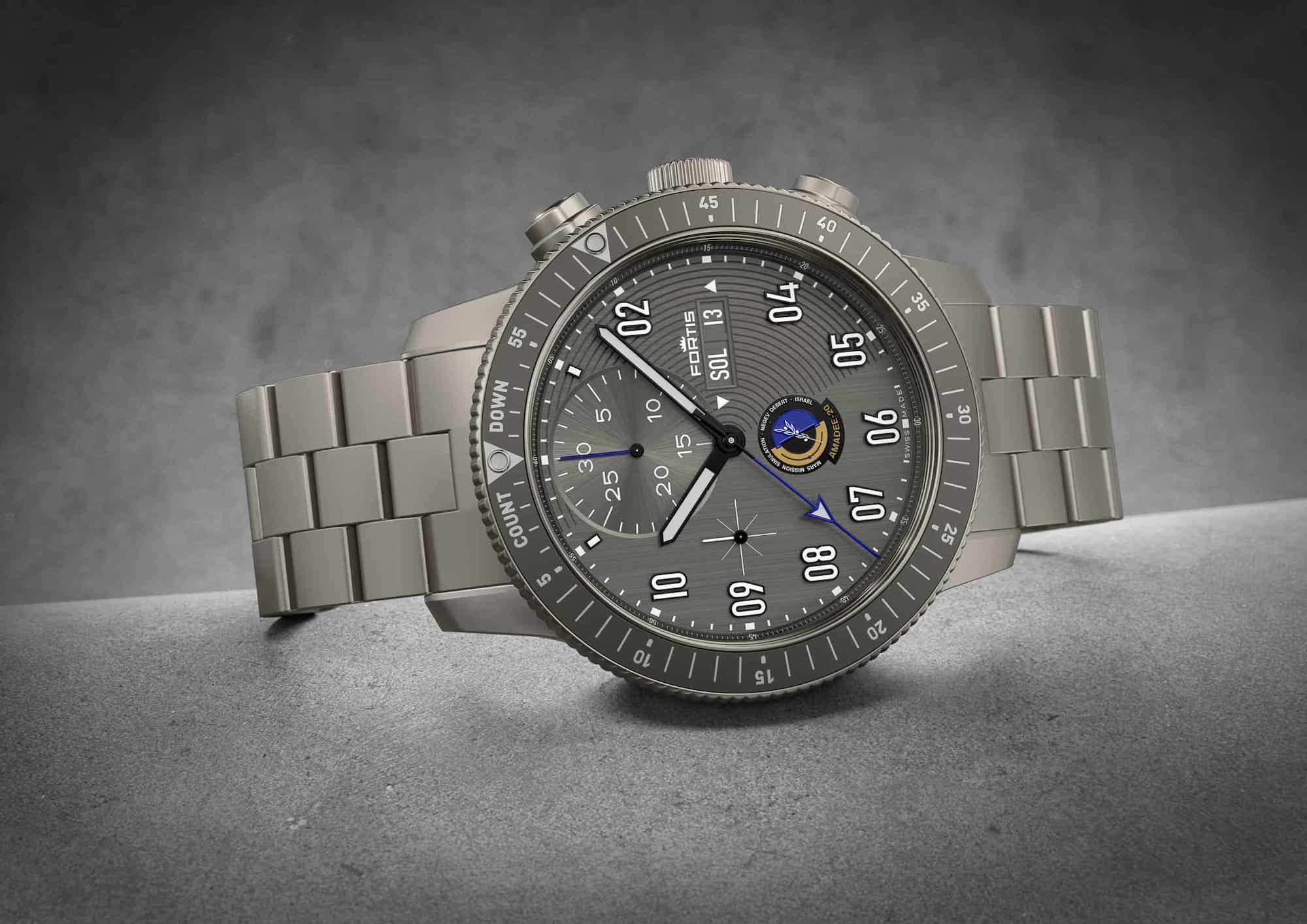 Fortis Official Cosmonauts Chronograph AMADEE-20 Lifestyle 2