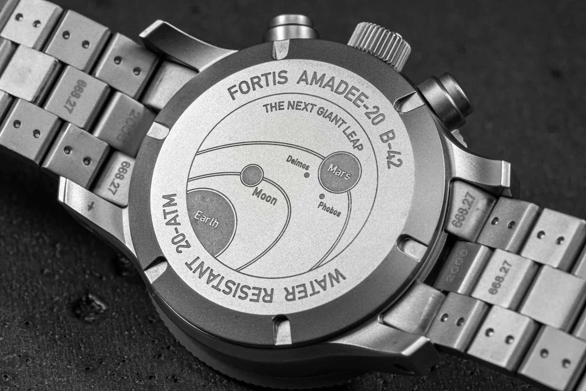 Fortis Official Cosmonauts Chronograph AMADEE-20 Lifestyle trasera