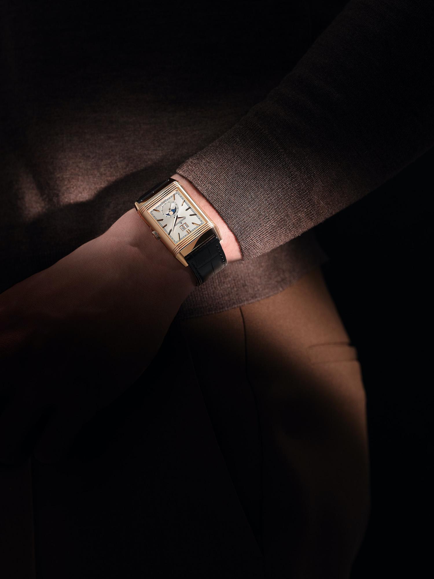 Jaeger-LeCoultre Reverso Tribute Nonantieme Q711252J Lifestyle Wristshot