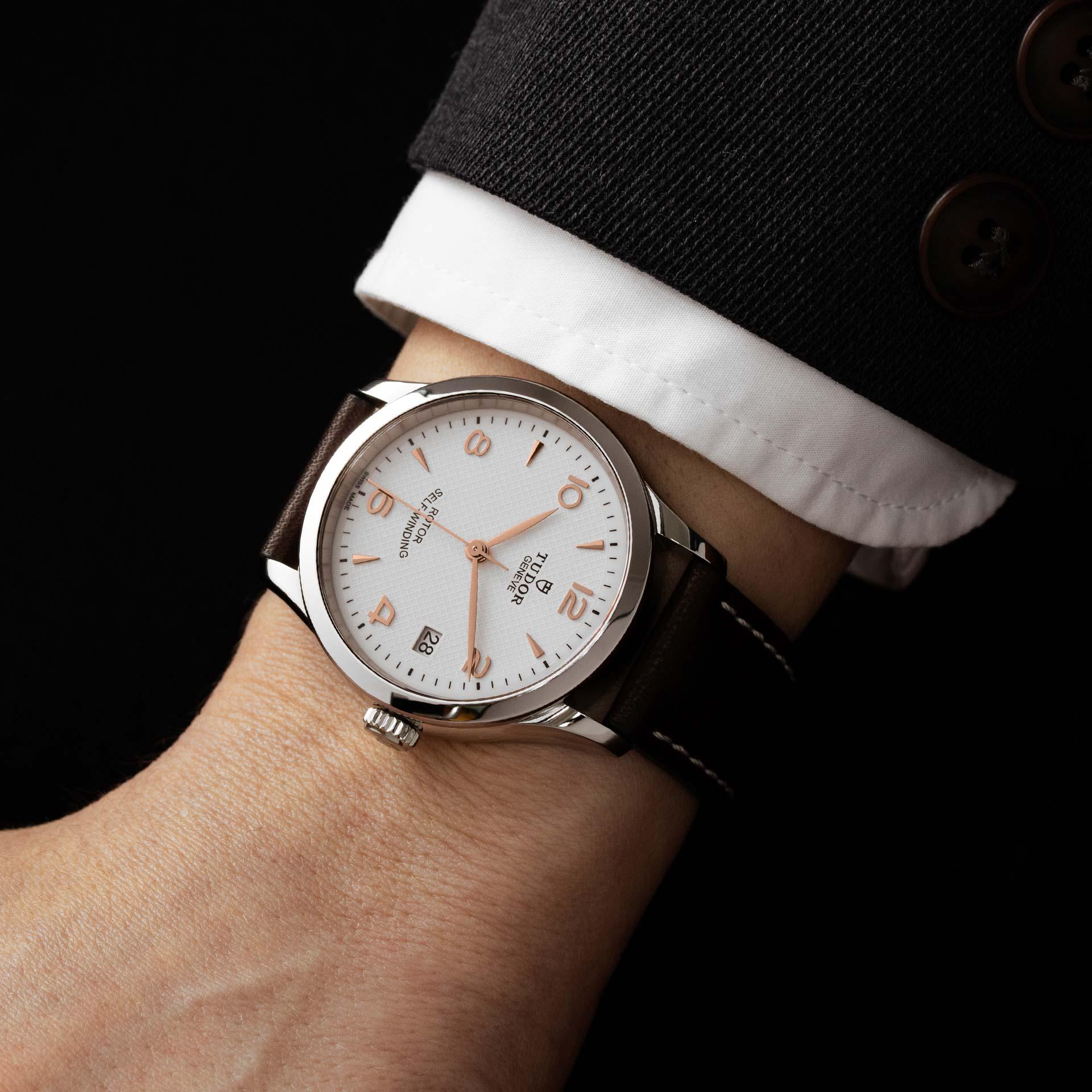 Tudor 1926 M91650-0012 Lifestyle wristshot