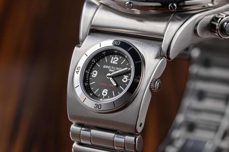 Breitling Super Chronomat B01 44 AB0136251B1A2 Detalle modulo UTC