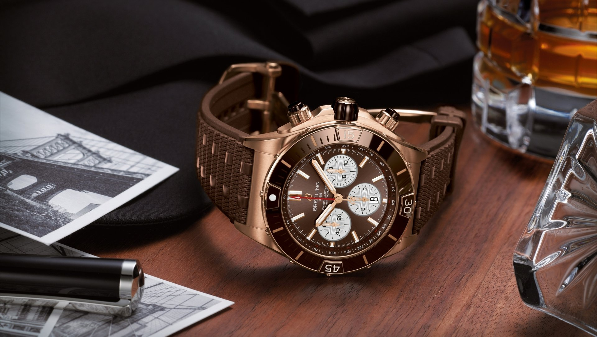 Breitling Super Chronomat B01 44 RB0136E31Q1S1 Lifestyle