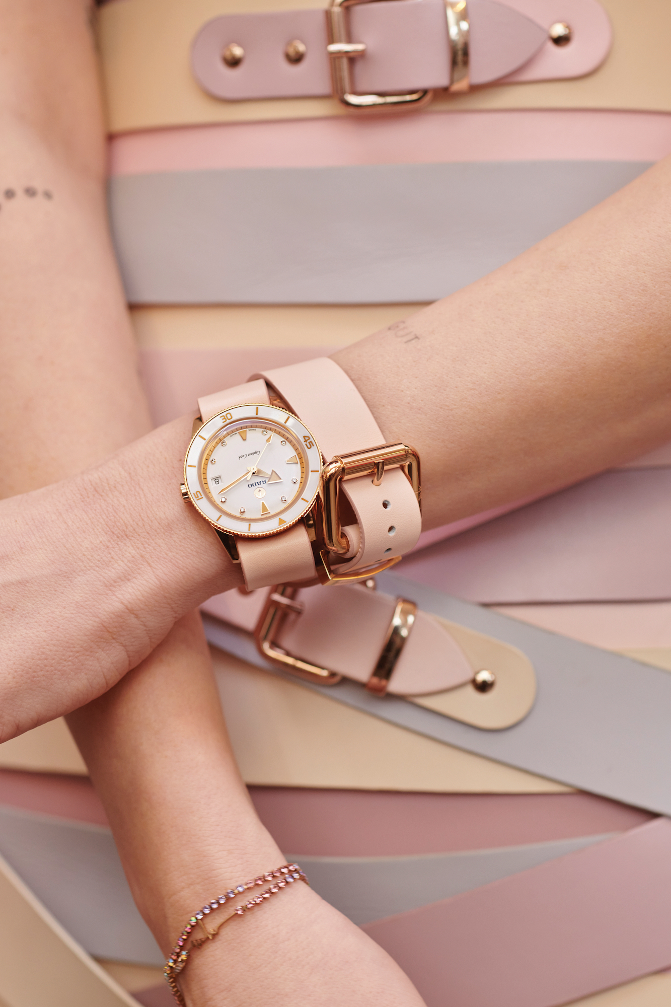 Rado Captain Cook x Marina Hoermanseder 01.763.6139.3.570 Lifestyle wristshot