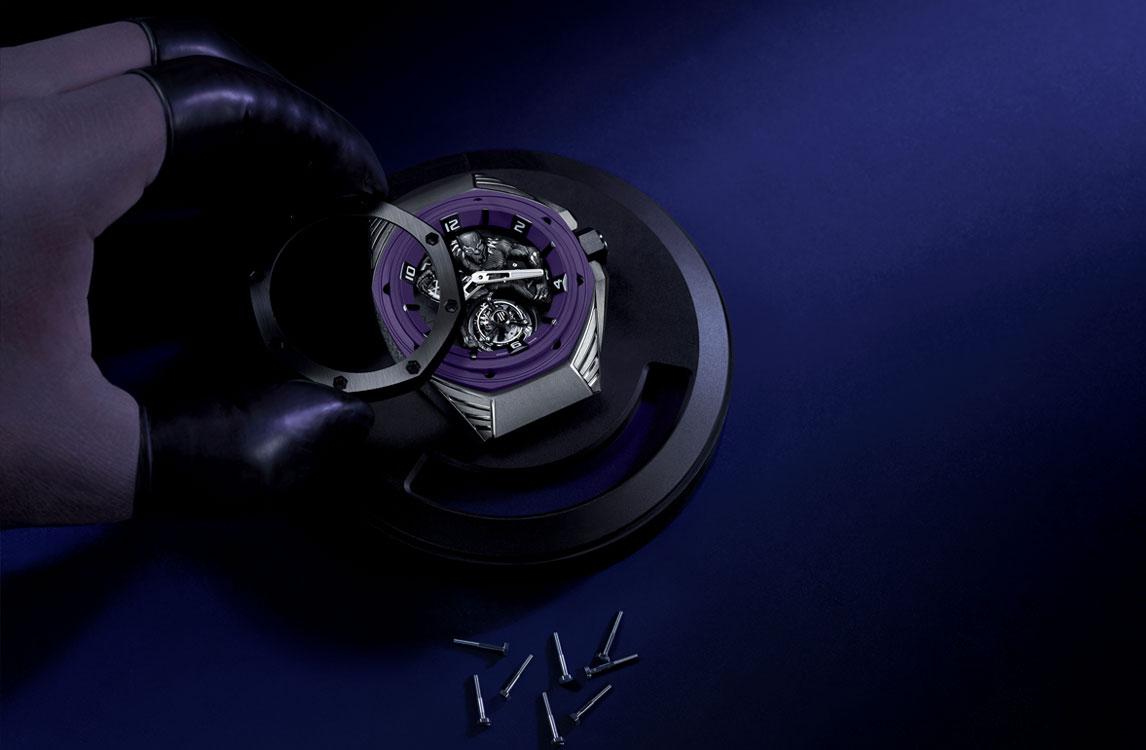 Audemars Piguet Royal Oak Concept Black Panther Flying Tourbillon 26620IO.OO.D077CA.01 Montaje bisel