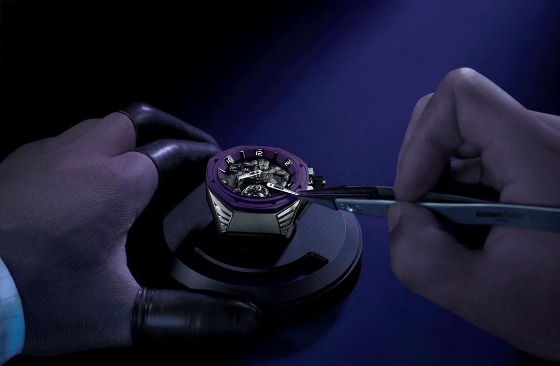Audemars Piguet Royal Oak Concept Black Panther Flying Tourbillon 26620IO.OO.D077CA.01 Montaje manecillas