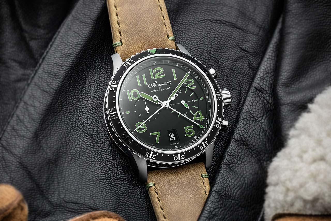 Breguet Type XXI 3815 Green Limited edition 3815TI:HM:3ZU Lifestyle
