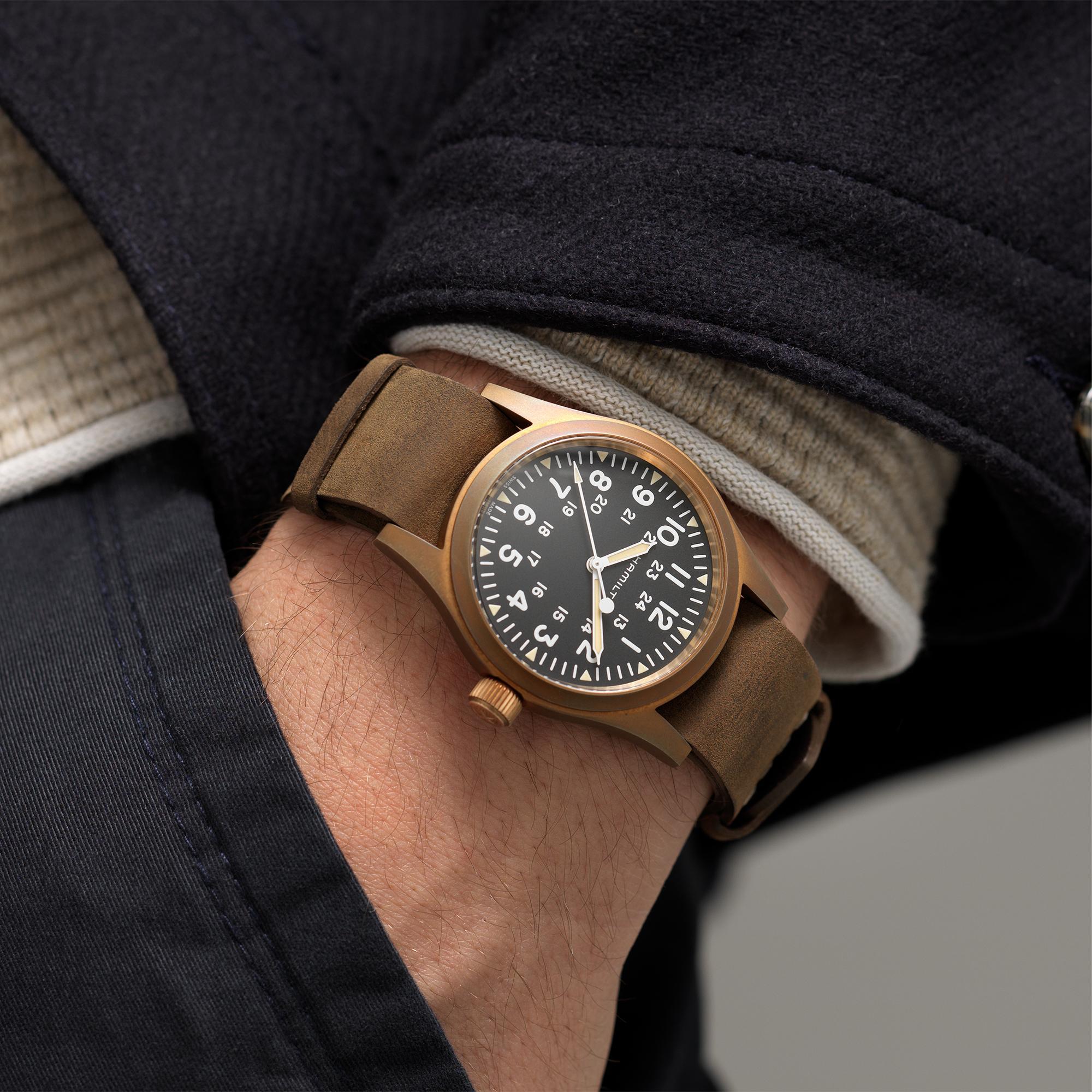 Hamilton Khaki Field Mechanical Bronze H69459530 Lifestyle wristshot