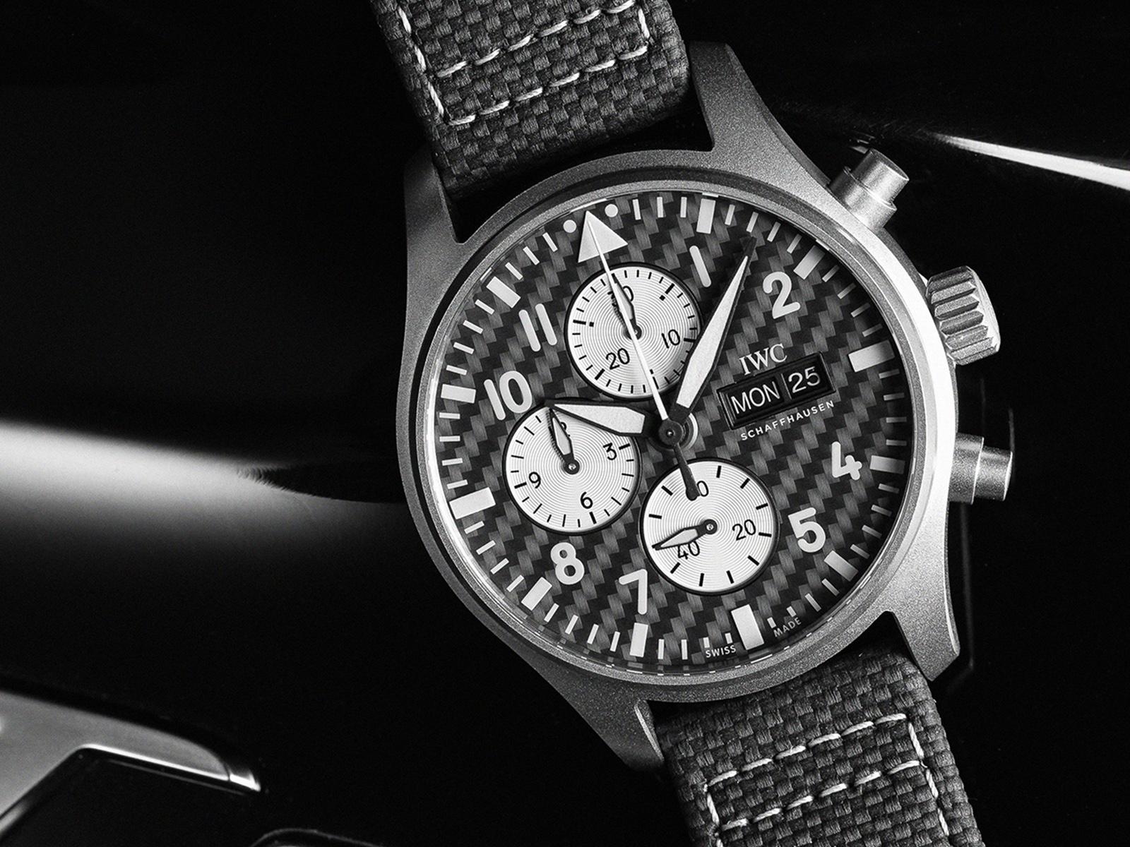 IWC Pilot's Watch Chronograph Edition AMG IW377903 Lifestyle esfera