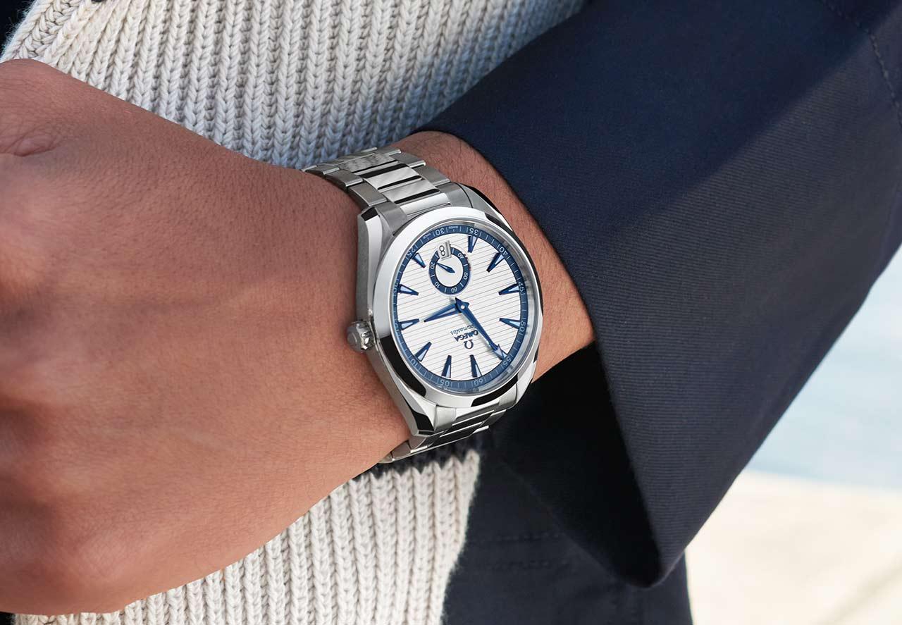 Omega Seamaster Aqua Terra Small Seconds 41 mm 220.10.41.21.02.004 Lifestyle wristshot