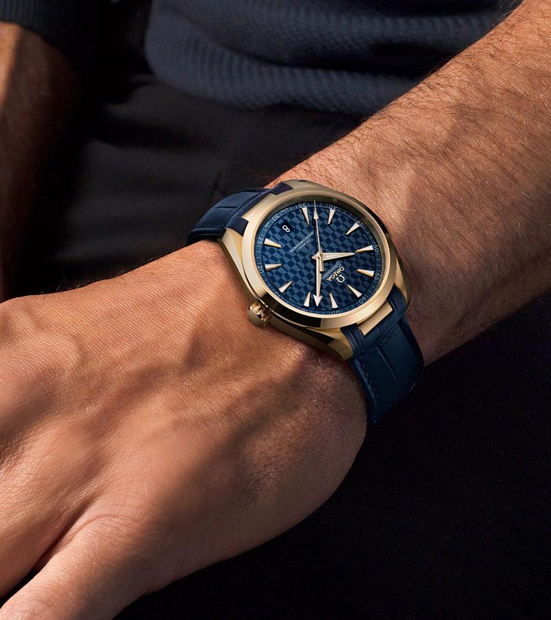 Omega Seamaster Aqua Terra Tokyo 2020 Gold Edition 41mm 522.53.41.21.03.001 Lifestyle wristshot