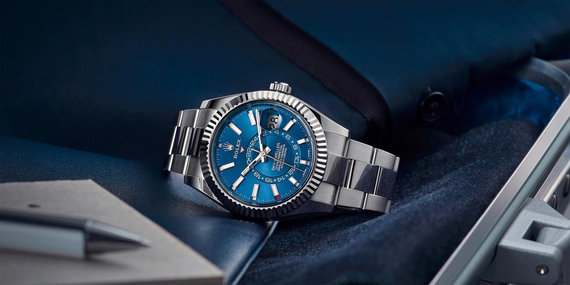 Rolex Sky Dweller azul vivo acero y oro blanco ref. 326934 Lifestyle