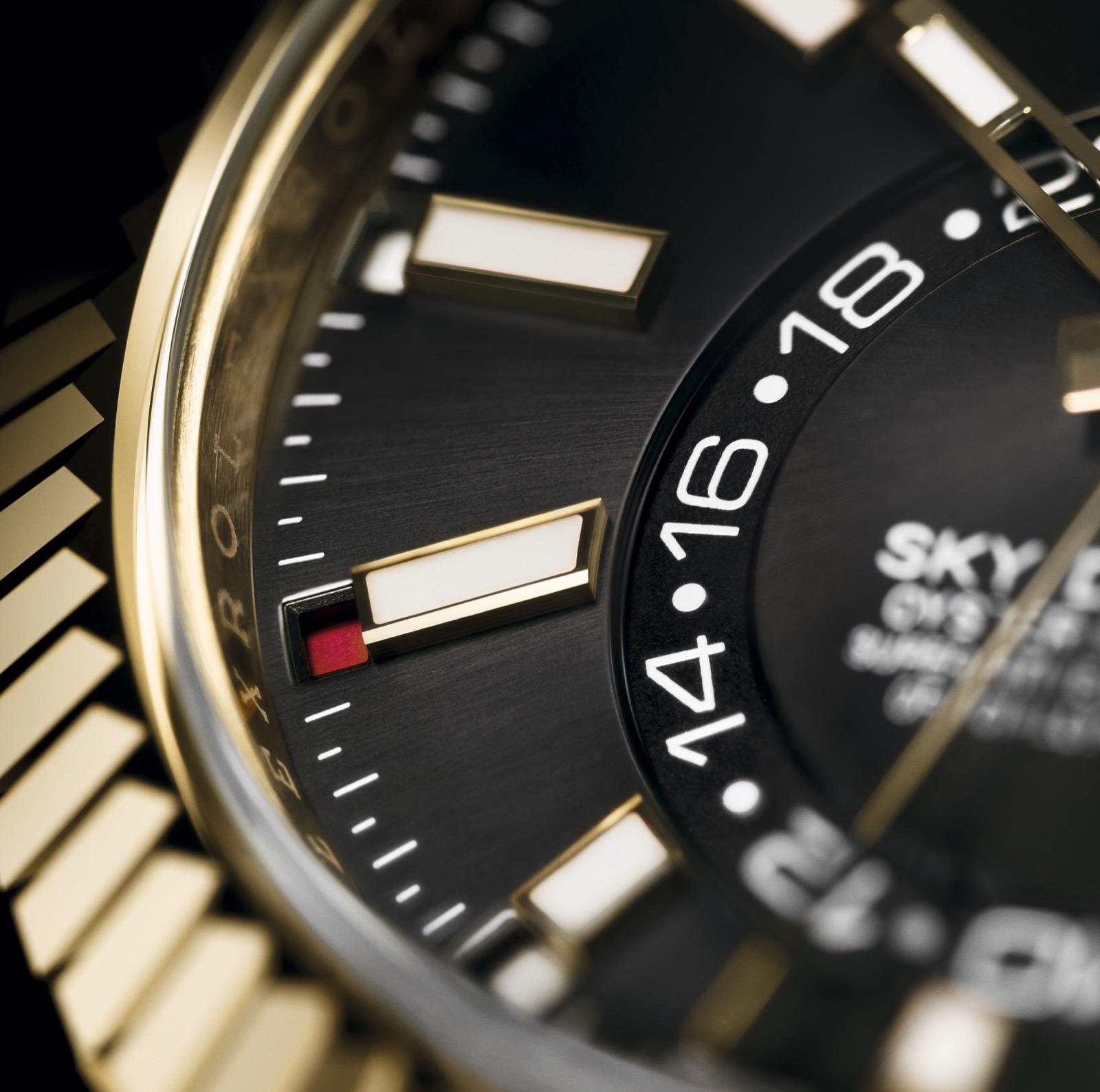 Rolex Sky Dweller negro oro amarillo oysterflex ref. 326238 Detalle indicador del mes