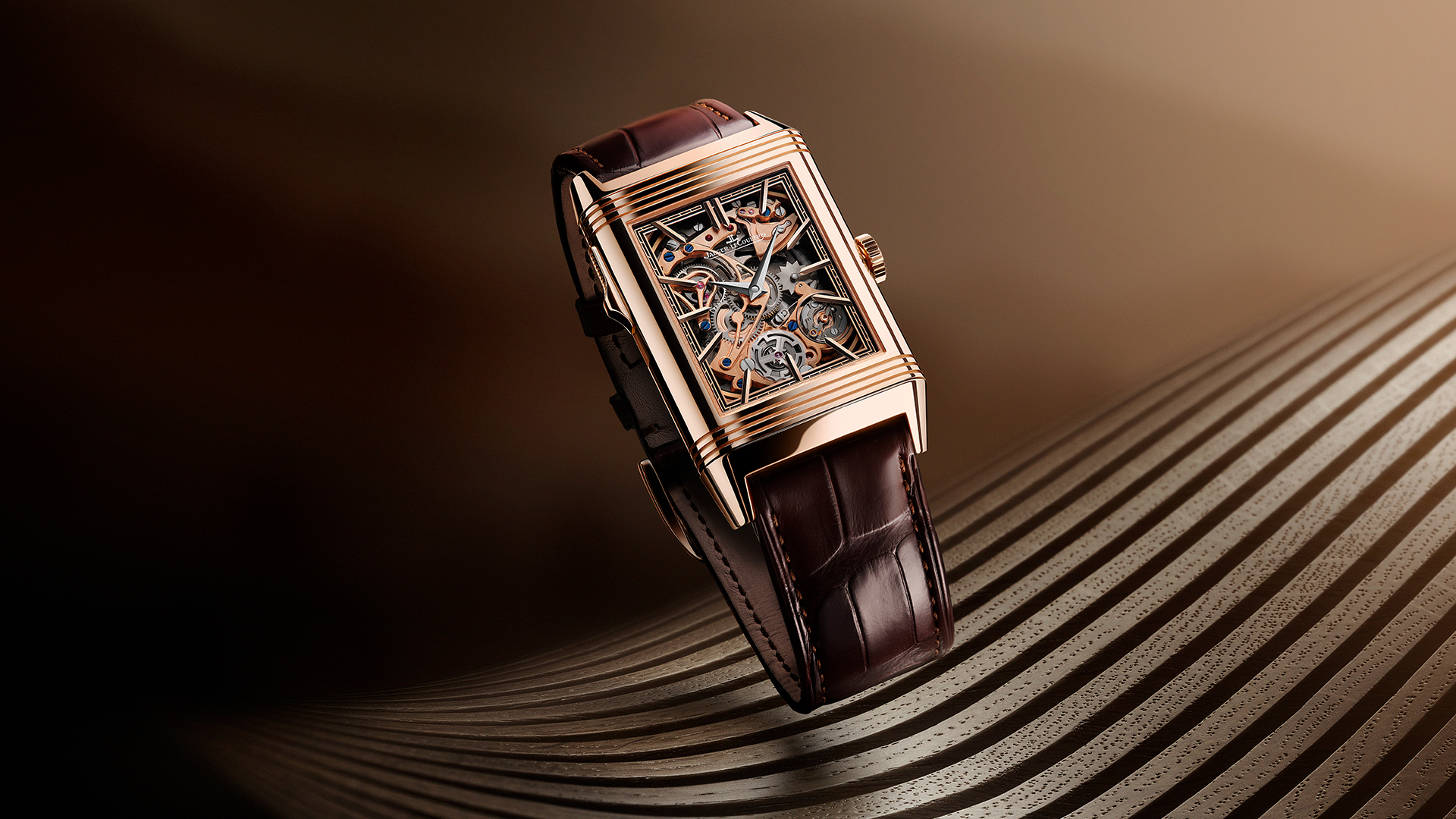 Jaeger-LeCoultre Reverso Tribute Minute Repeater Lifestyle frontal