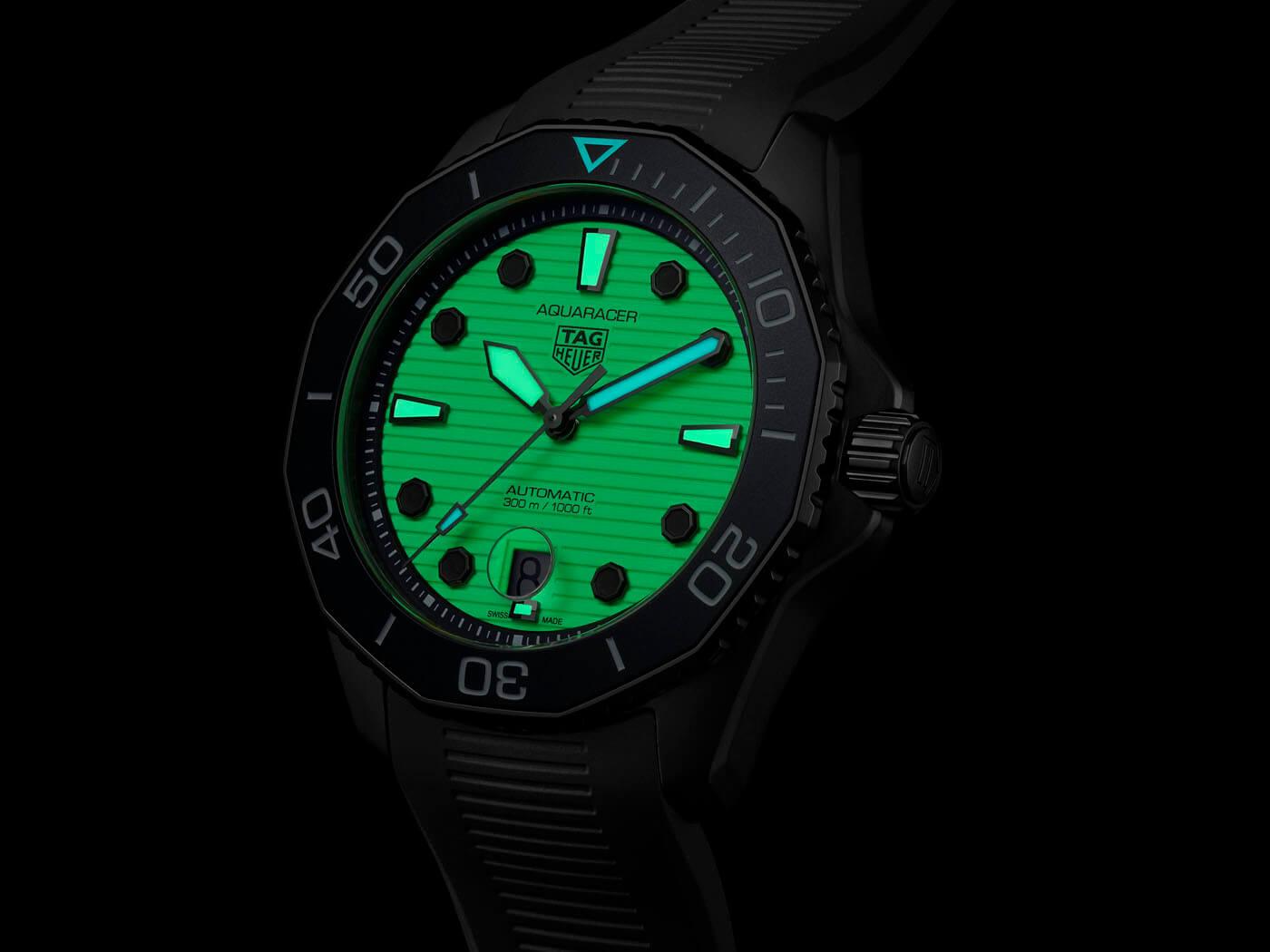 TAG Heuer Aquaracer Professional 300 Night Diver WBP201D.FT6197 Esfera luminiscencia
