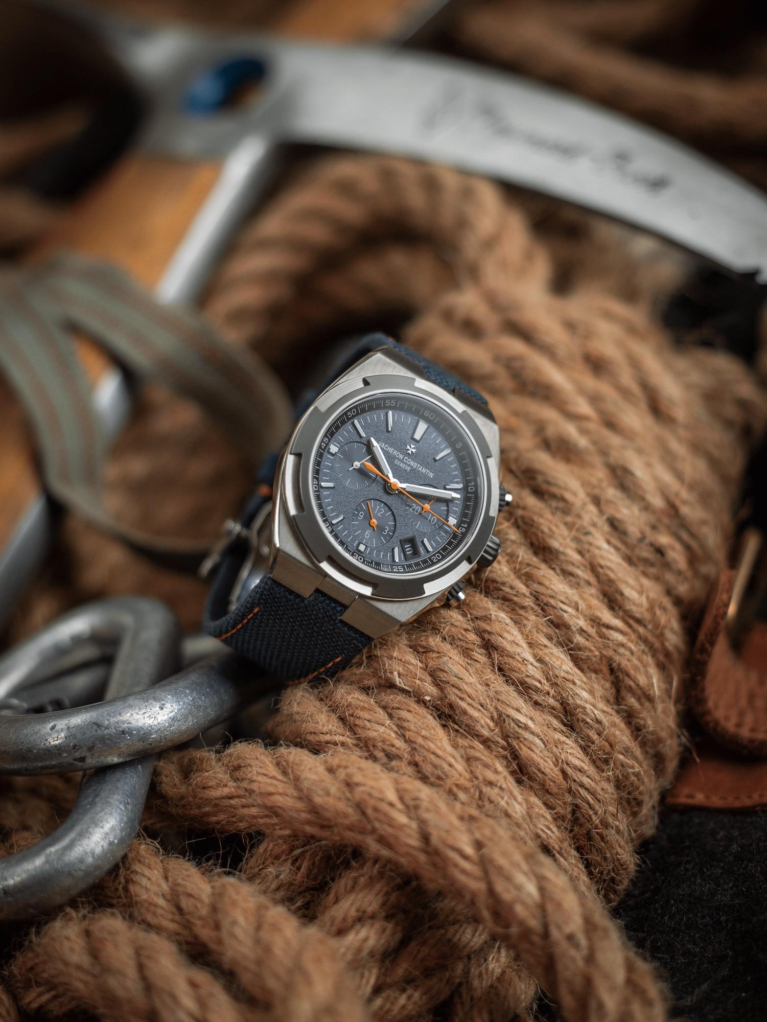 Vacheron Constantin Overseas Chronograph Everest 5510V:000T-B923 Lifestyle