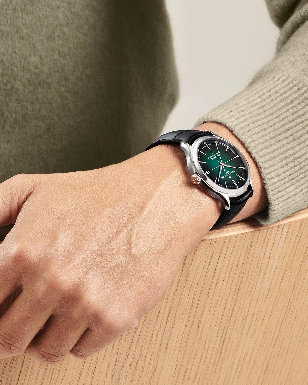 Baume et Mercier Clifton Baumatic 10592 Lifestyle wristshot